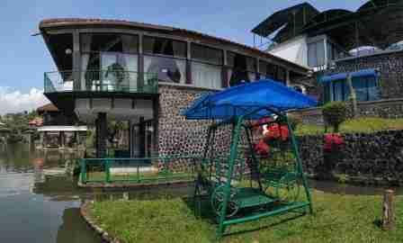 Villa Danau Puncak