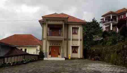 Villa Kebun Pakis Pacet Jawa Timur