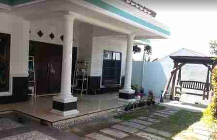 Villa Sadulur Lembang Bandung