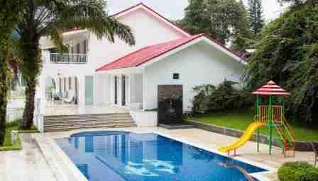 Villa The White House Puncak Bogor Jawa Barat
