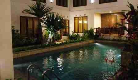 Villa and Family Hotel Gradia Batu